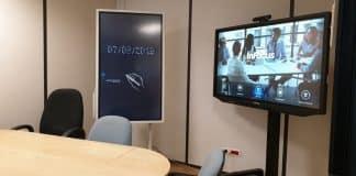 Découvrez l'écran interactif pour les salles de réunion