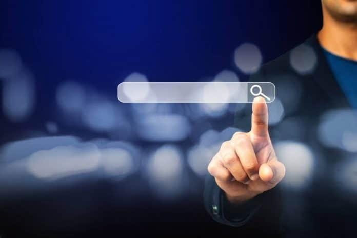 Un doigt sur un écran